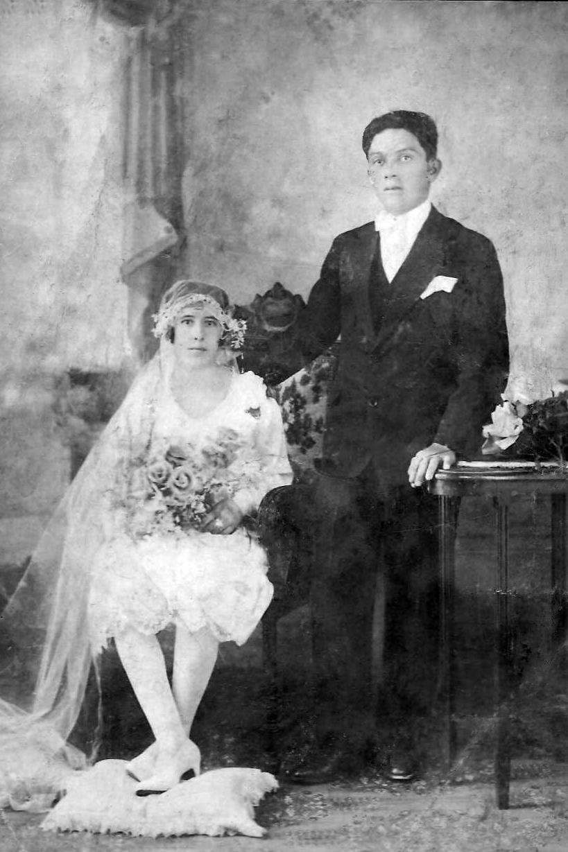 Foto de casamento de EMILIANA MORENO LESSA E RIQUELME VILA, em Guaranésia, 1928.