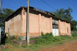 Lixo e Mato no Antigo Matadouro Municipal